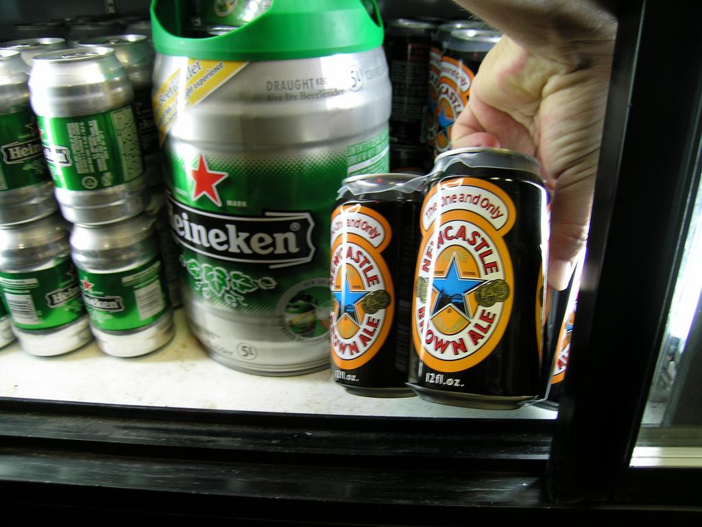 heineken beer photo